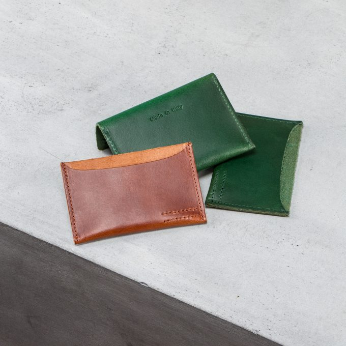 card-slots-cognac-green-leather-accessories-gifts